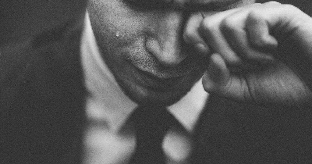 映画に感動した男性の泣けるポイントを説明